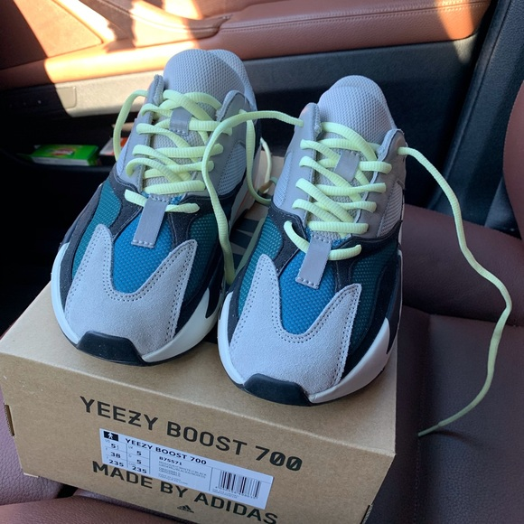 timeless design c5057 19825 Yeezy 700 wave runners size 5.5 (women size 6.5)